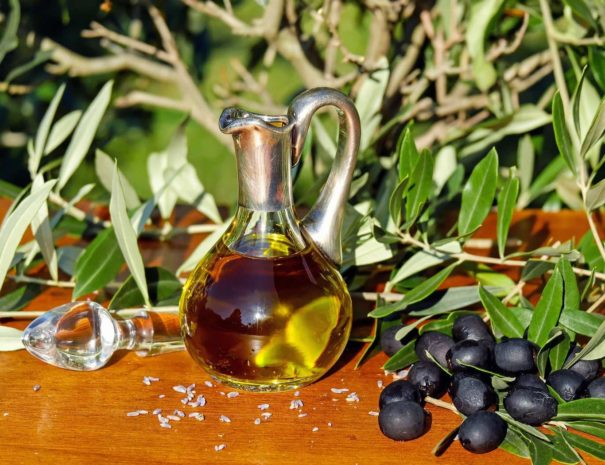 le-marche-italy-oil-olive