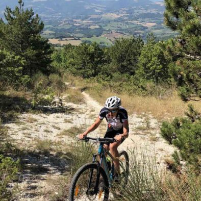 le-marche-mtb-cycling-action-1050x1400