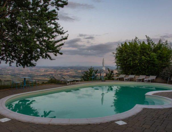 Pool-Evening light-1400x933