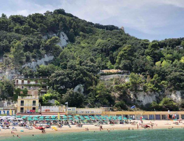 le-Marche-Sirolo-Beach-1400x1050