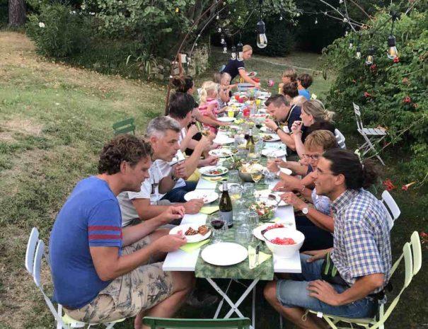 case-leonori-bbq-avond-lange-tafel-1050x1400